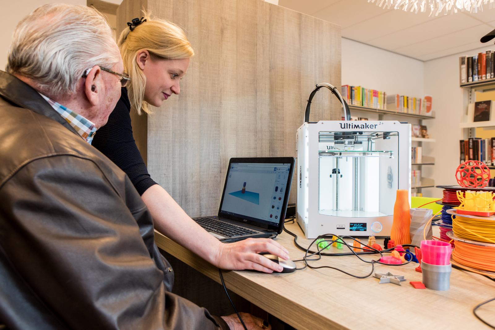 Demonstratie van 3D-printen in Bibliotheek De Biezantijn